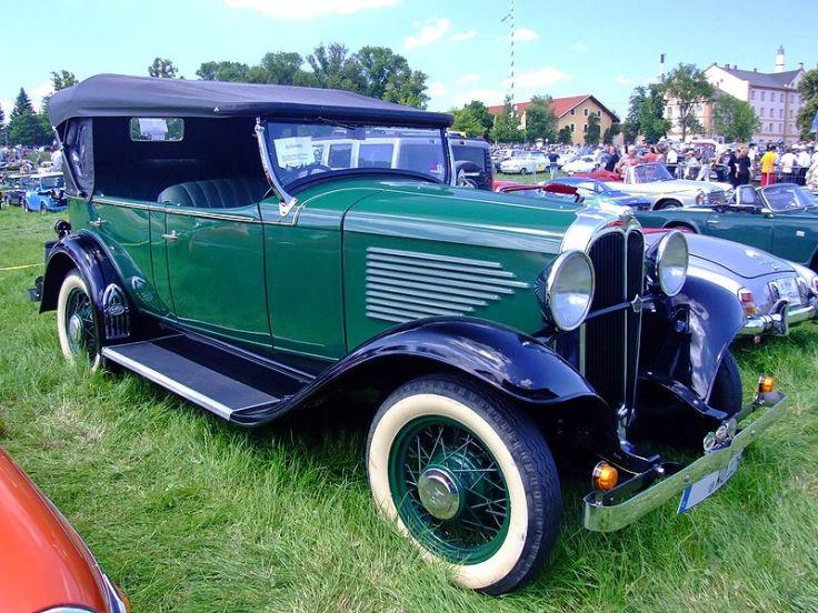 800px-Overland_WillysKnight_6-90_1932_1