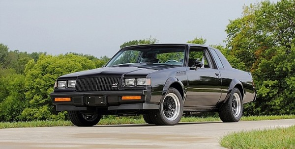 "1987 buick gnx mecum chicago 670x340 - ""Buick"" o Luxo Americano"